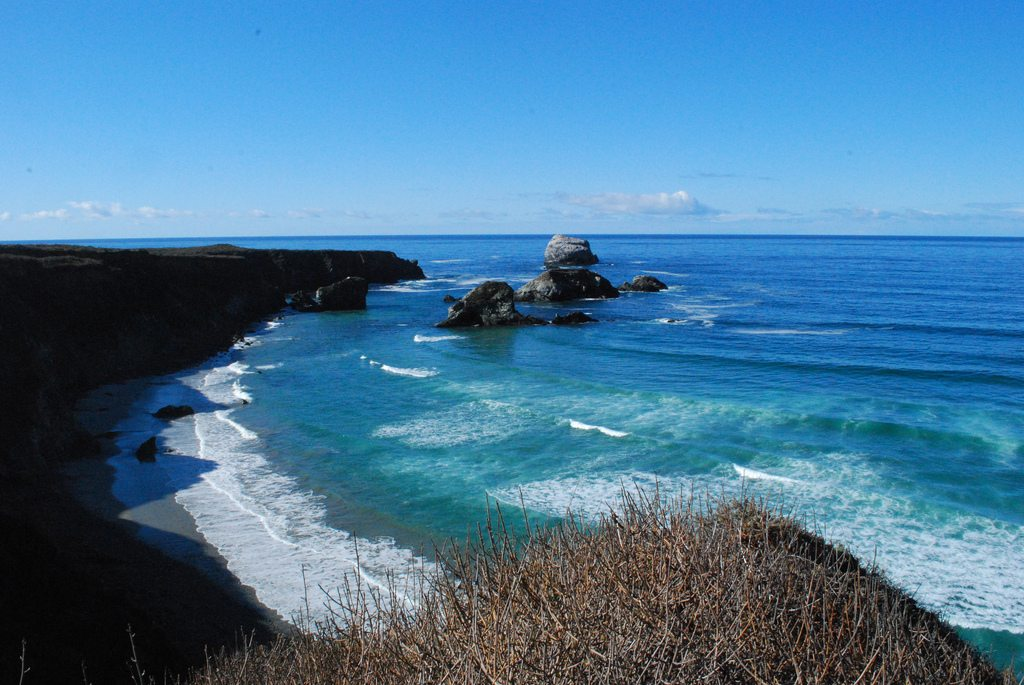 Wave Hunting in Big Sur 1